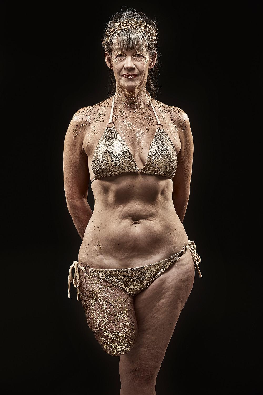 #amputeemodel #grazia #classicmodel #disabledmode #bodyconfidence #bodylove #women #proud #amputee #amputeelife