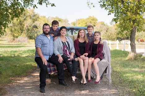 Family of 6 truck fall portrait