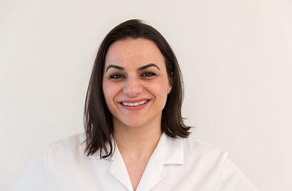 Frau Iljazi V. Dentalassistentin Zahnmedizin St. Raphael in Naters