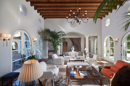 Private Air Luxury Homes Magazine | 1640 E Adams Drive