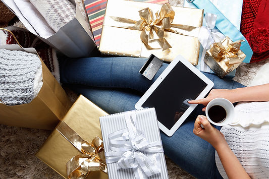 Prevent Identity Fraud This Holiday Season - Shop Online Safely
