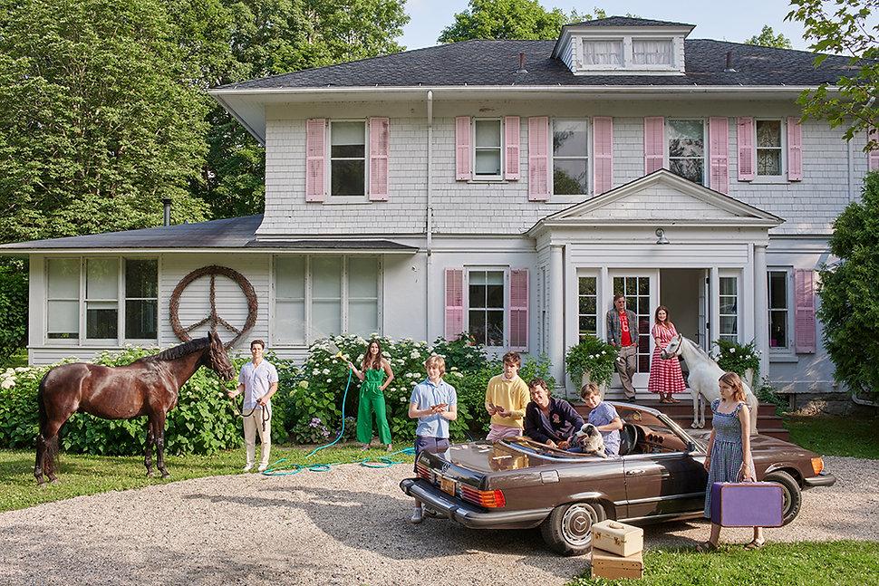 NVGRTZ2_GB_S16_416.2_Novogratz Family in front of house.jpg