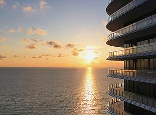 Eighty Seven Park Sunset Ocean View-Hori