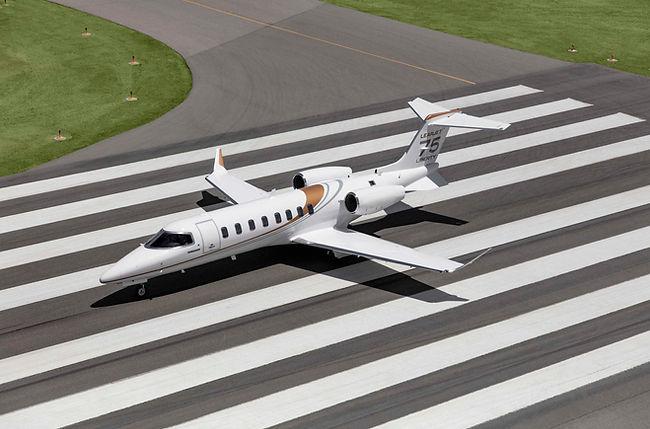 Learjet_1.jpg