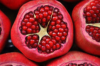 pomegranate-3383814_1920.jpg