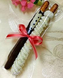 bride & groom pretzels