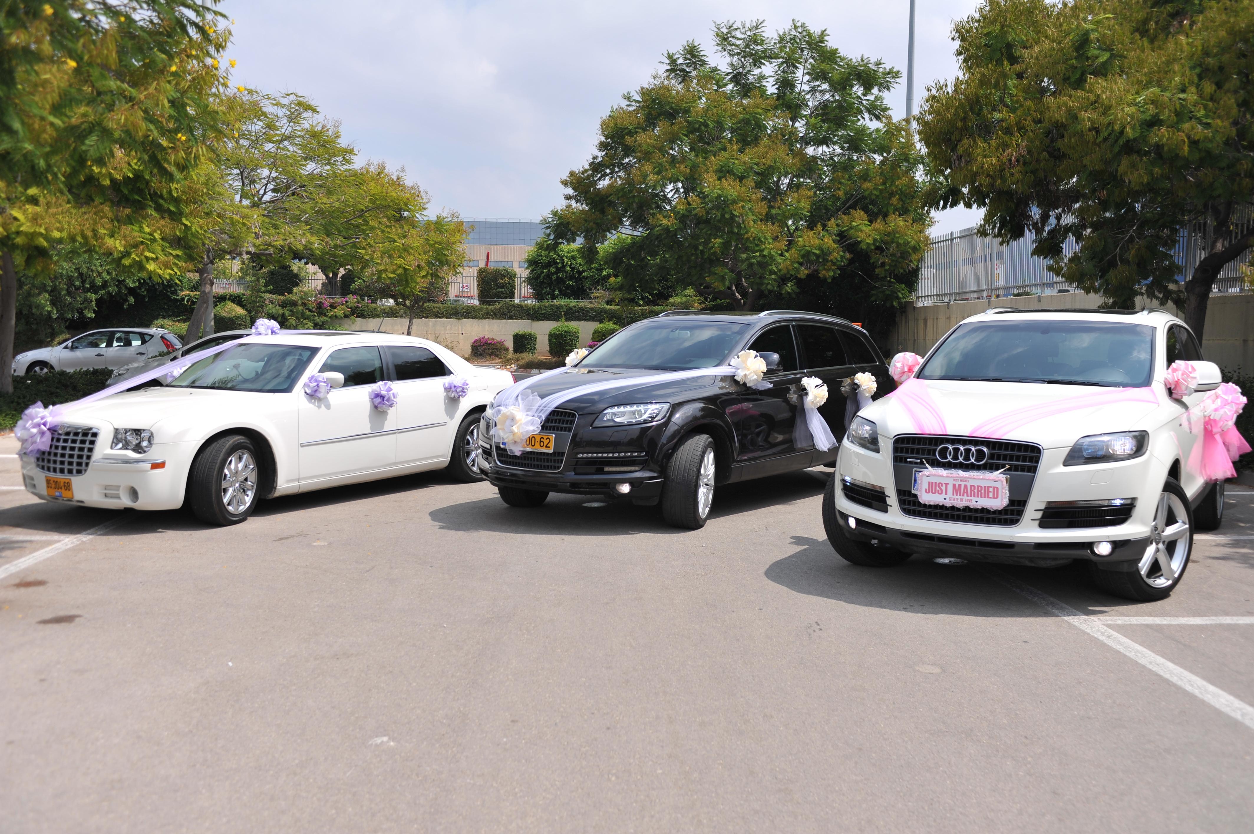 מכוניות יוקרה מקושטים לחתונה