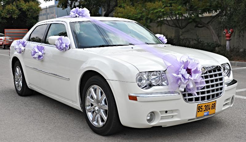 קרייזלר מקושט לחתונה