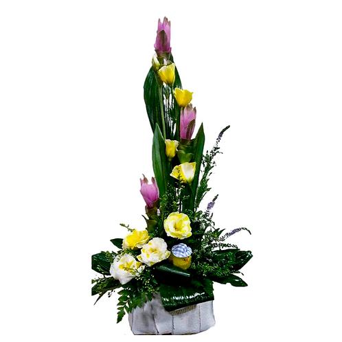סידור פרחים טריים בשם אלגנטי