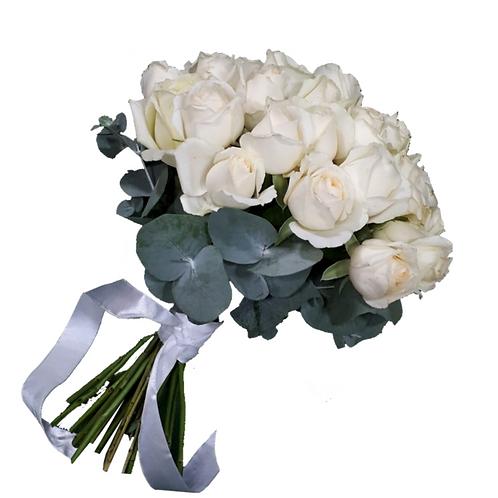 זר כלה 13 מפרחים טריים בשזירה מקצועית