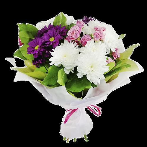 זר פרחים של פרחי לימו עשיר שזור פרחי גרברות וחרציות בגווני סגול ורוד