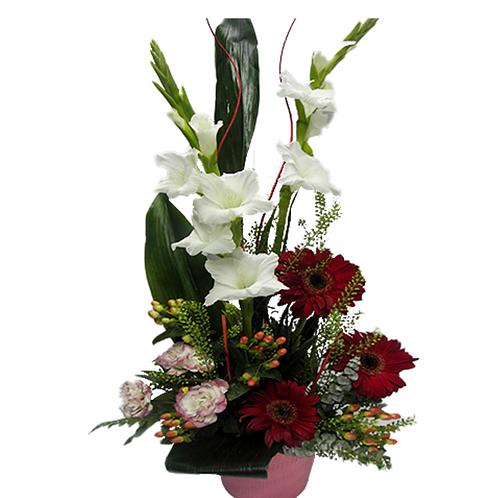 סידור פרחים טריים בשם אביבי
