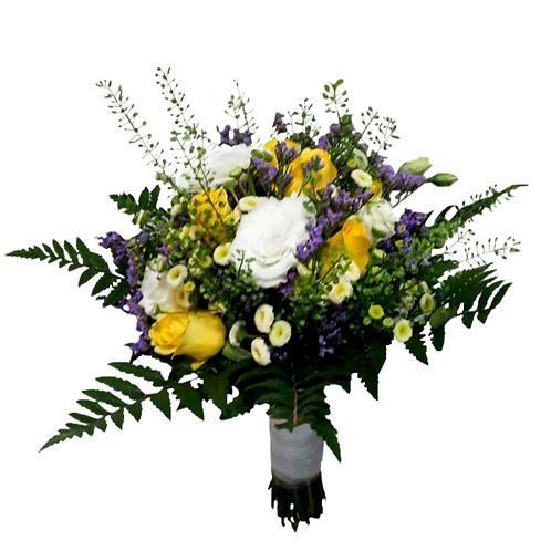 זר כלה 8 מפרחים טריים בשזירה מקצועית