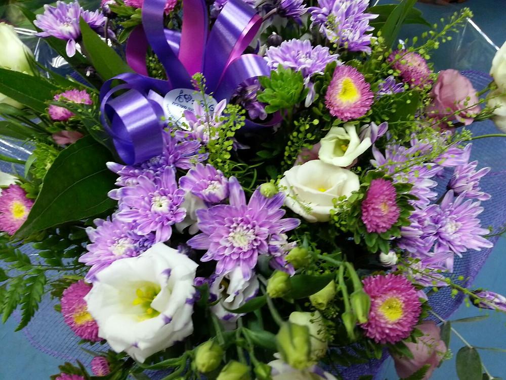 זר פרחים ענק