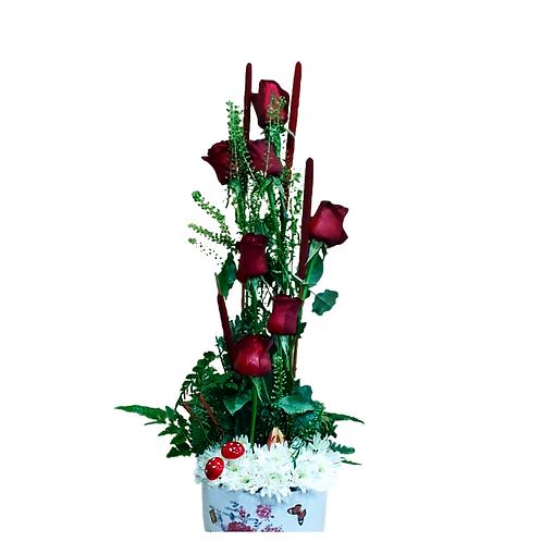 סידור פרחים טריים בשם ורדים בקנה