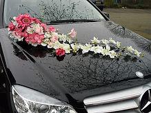עיצוב פרחים לרכב חתן כלה