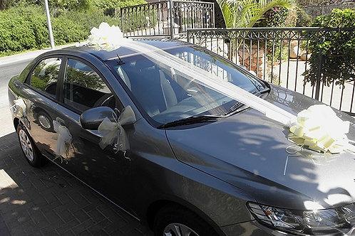 רכב קיה עם קישוט רכב לחתונה מקושט בכרמיאל