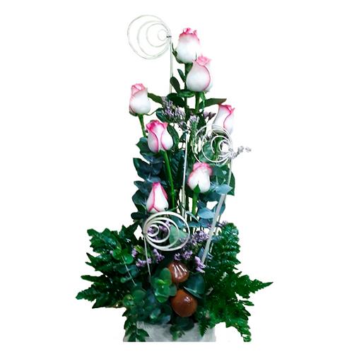 סידור פרחים טריים בשם צעירות