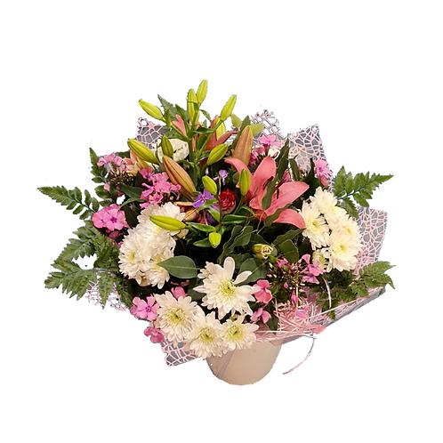 זר פרחים בשם רומנטיקה מוכן למשלוח בכרמיאל וצפון