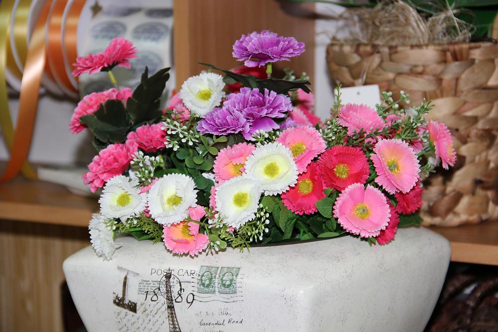 סידורי פרחים המלאכותיים