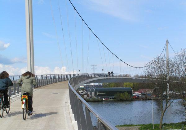 'Nescio' pont de vélo