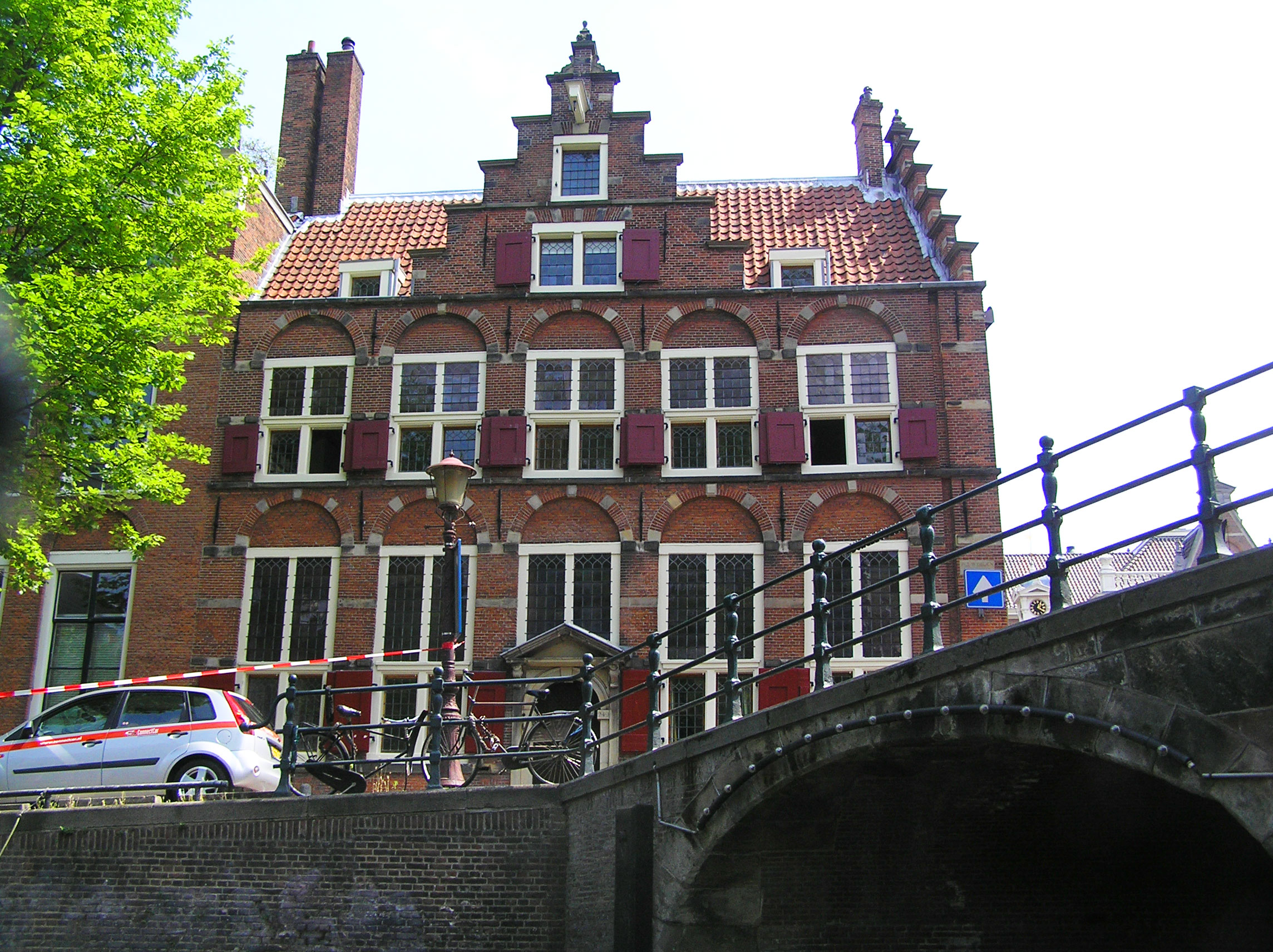 House on Three Canals
