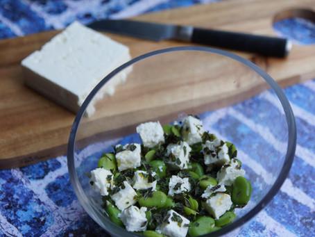 Salade de fèves, fêta et menthe