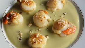 Noix de saint-jacques sur crème de brocolis
