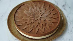 Entremets aux 2 chocolats et son biscuit chocolaté au streusel