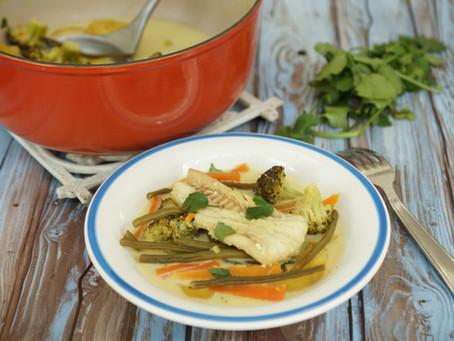 Nage de colin safranée et légumes printaniers