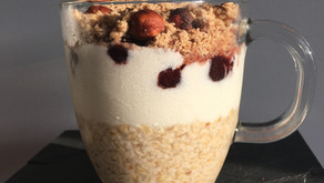 Overnight oatmeal (porridge du lendemain) cerises/noisettes