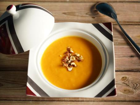 Velouté butternut/carotte aux éclats de noisette