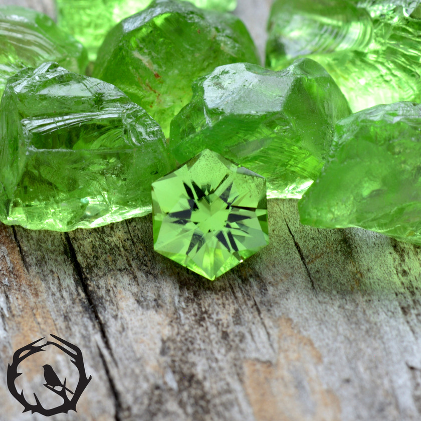 https://www.stagandfinch.com/product-page/1-24-carat-peridot-mint