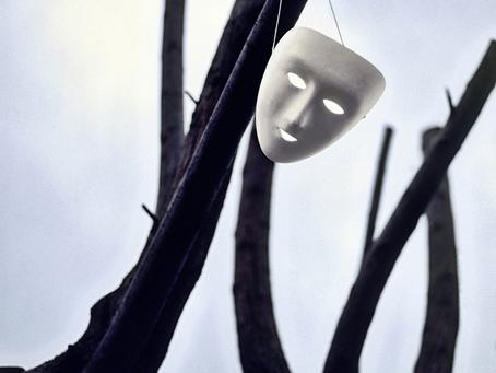 A (des)máscara