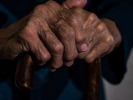 Os idosos e a tecnologia nas relações interpessoais