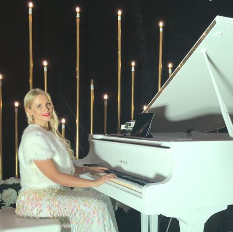 Anna Demis