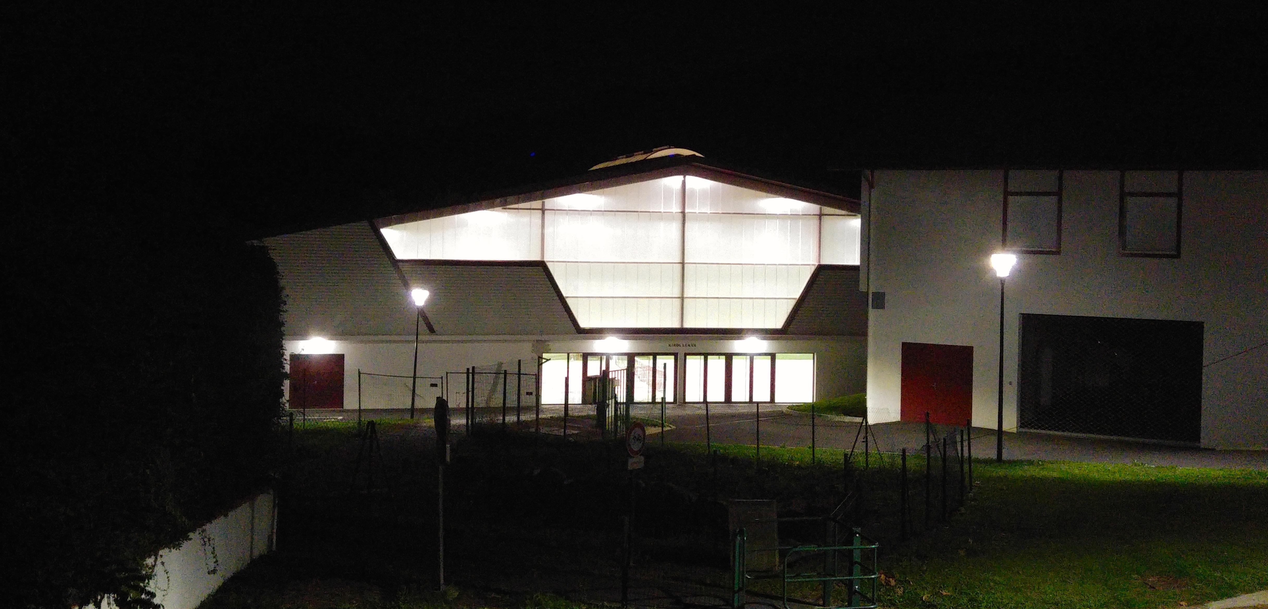 Salle, la nuit