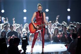 Kelsea Ballerini Takes the Stage at The Radio Disney Awards