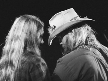Chris Stapleton and Wife Morgane are Expecting Twins!
