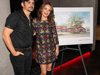 Brad Paisley & Wife Kimberly Williams-Paisley to Open Free Grocery Store in Nashville