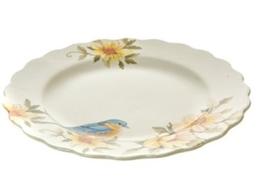 """Kimberly Schlapman Launches Home Goods Line, """"Oh Gussie!"""" at Cracker Barrel."""