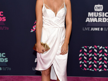 Throwback to Past CMT Awards Fashion
