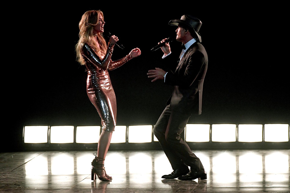 Performance by country music couple Faith Hill and Tim McGraw.