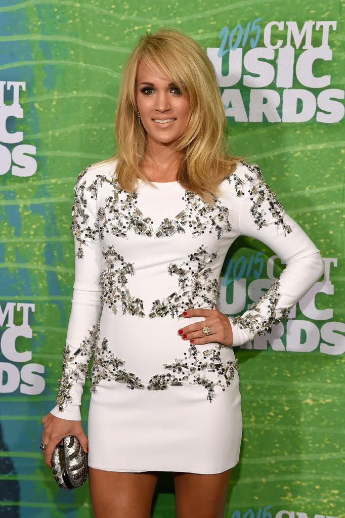 Carrie-Underwood-CMT-Awards-2015.jpg