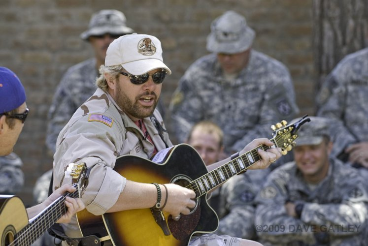 Keith Plays for Troops