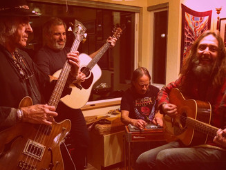 """GREEN LEAF RUSTLERS Celebrate GRAM PARSONS With Rollicking Cover Of """"BIG MOUTH BLUES"""""""