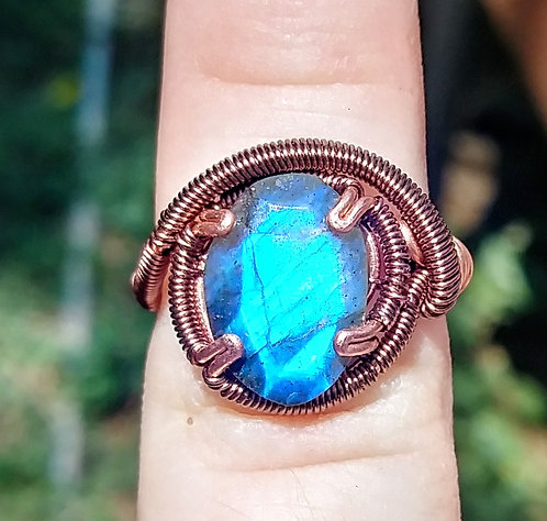 Size 4 super flashy labradorite ring