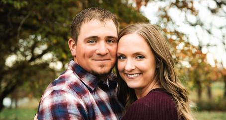 Union, Il Engagement | Jenna & Eric's picnic on the farm
