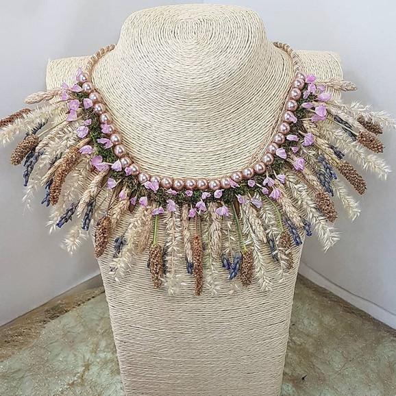 AFP collier floral