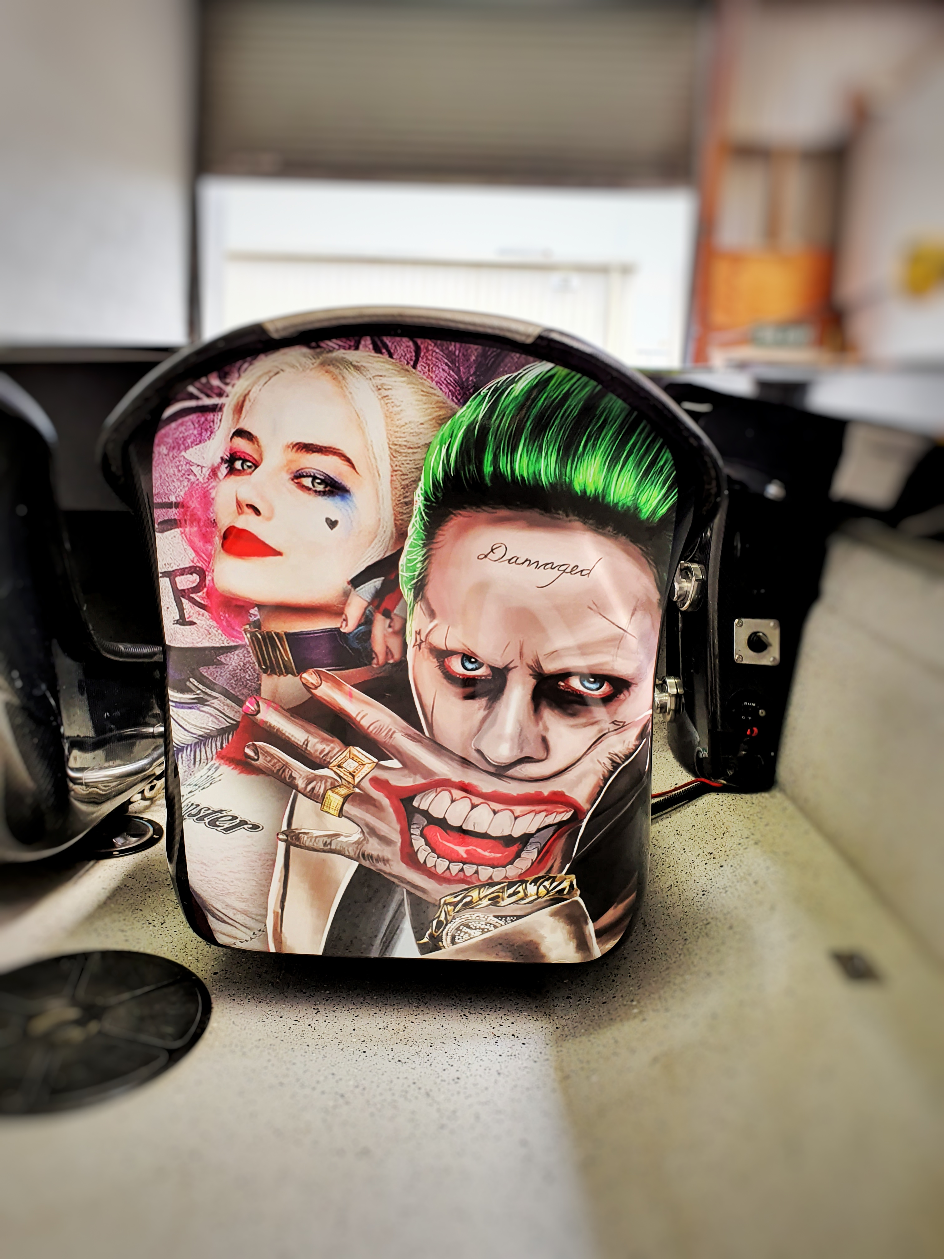 Joker wrap seat